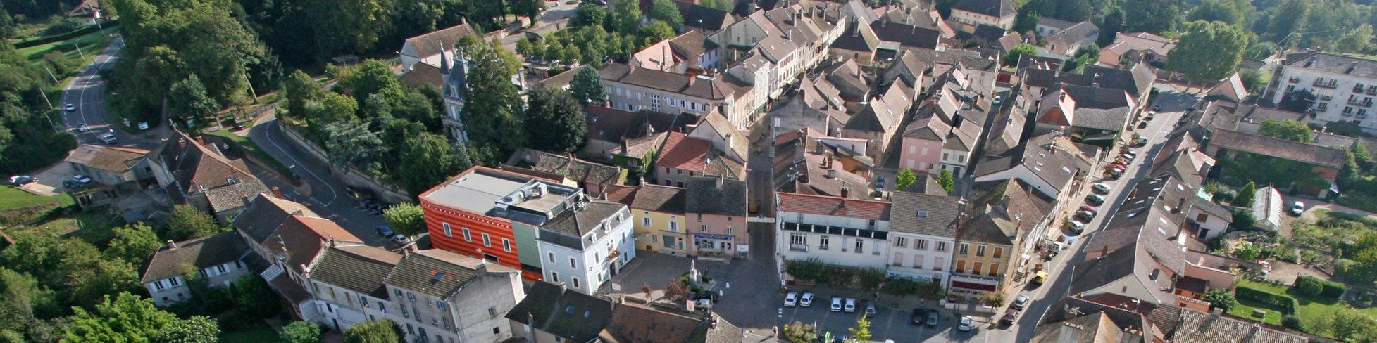 Vue aérienne du centre de Cuisery
